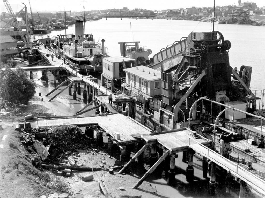 Richards2 Dredges at South Brisbane coal wharves in1964